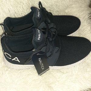 Boys Nautica Shoes Size 5 Navy & White
